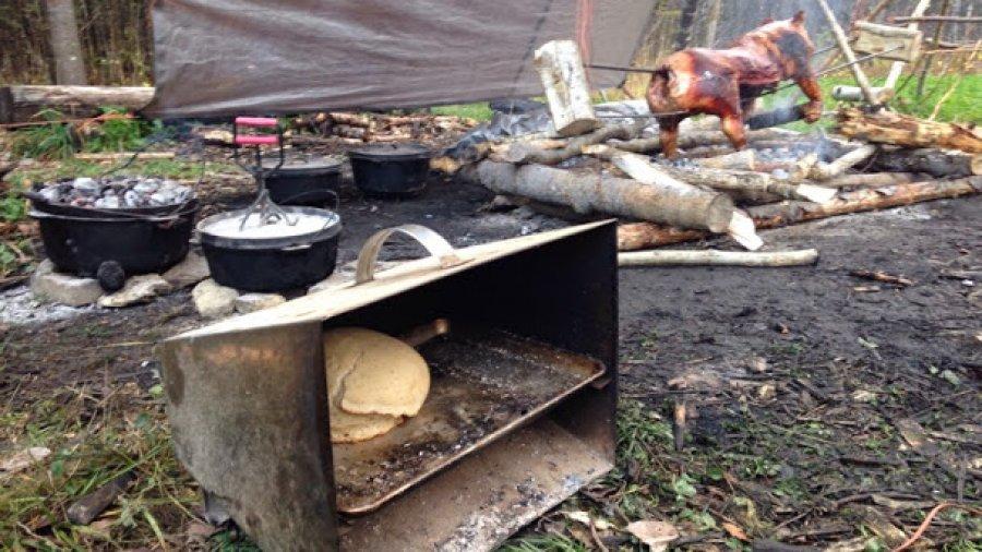 Roast hog, dutch oven cakes, sourdough bread: living like kings!