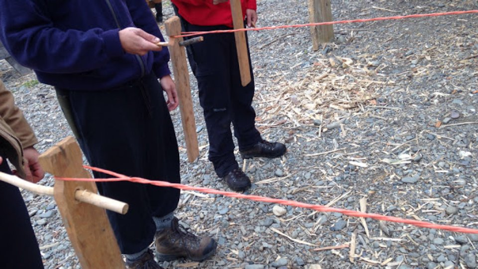 Making rope with hand spinners