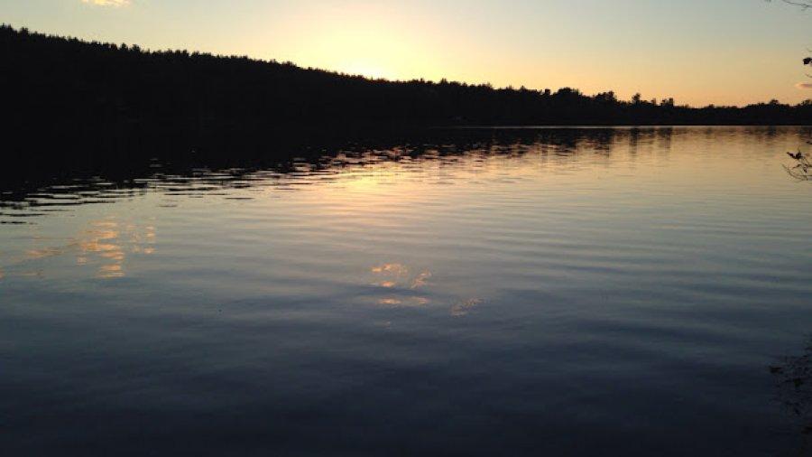 Sublime twilight on Rust Pond