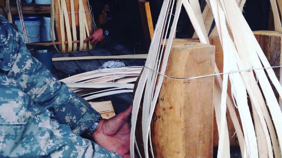 Brown ash pack baskets: starting to weave