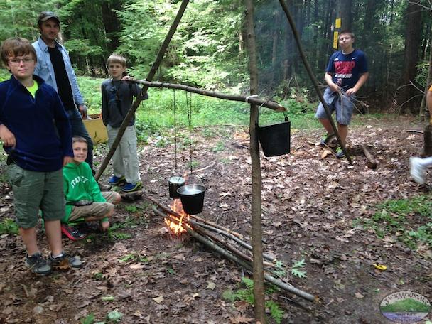 Preživljavanje u prirodi - Page 5 Kids-Cooking-With-Fire